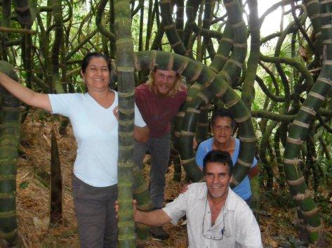 15 com tia inês, Abuelita Ene, Diego Serna, Sendero de Guadua, Bosque Mágico