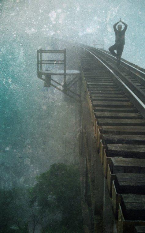 equilíbrio na ponte do trilho do trem