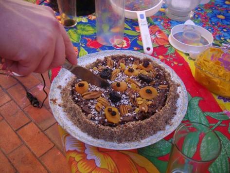 torta vegana crudívora mais doce que doce muito doce, sem açúcar